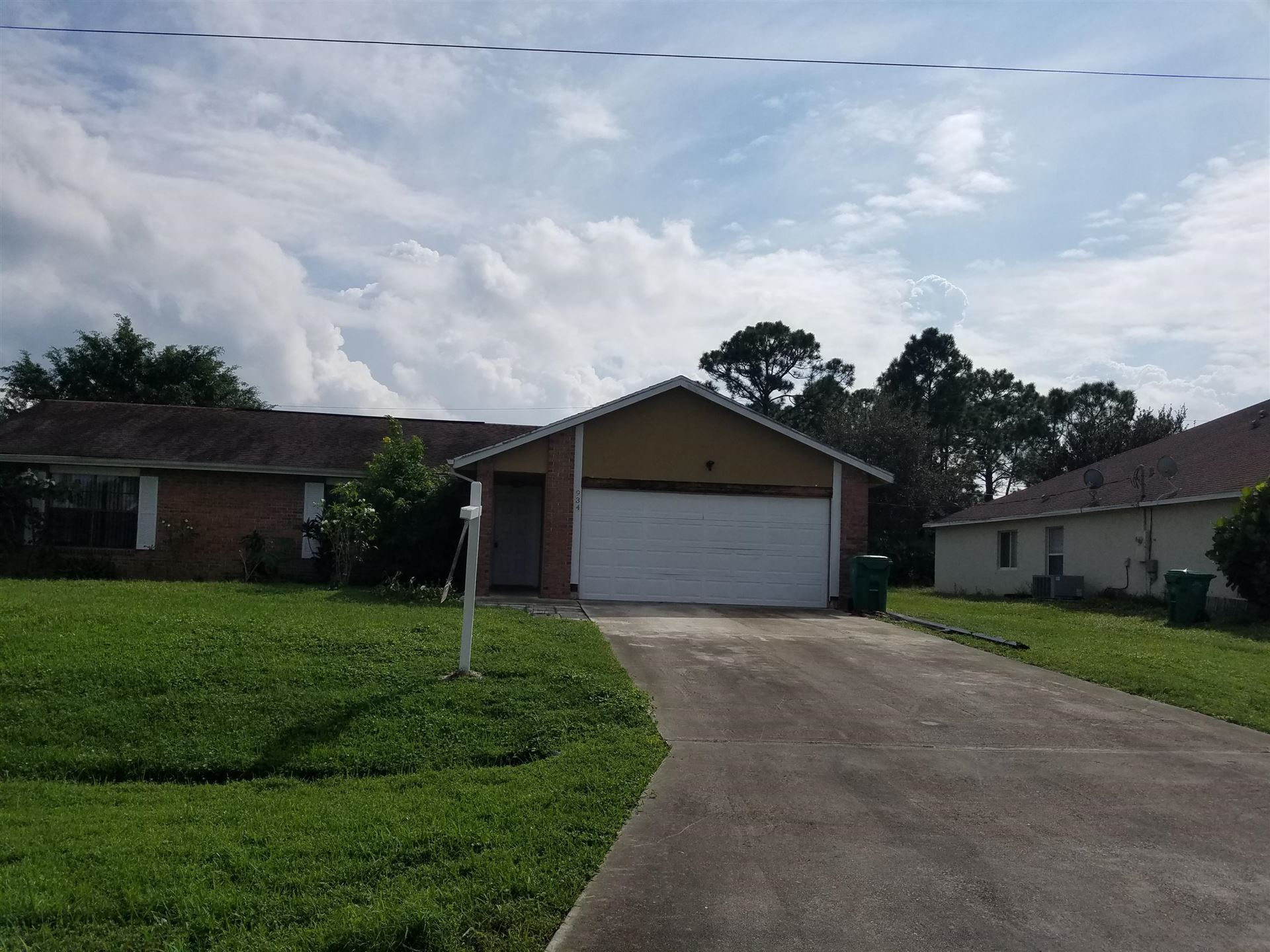 934 SW Longfellow Road, Port Saint Lucie, FL 34953 - #: RX-10656371