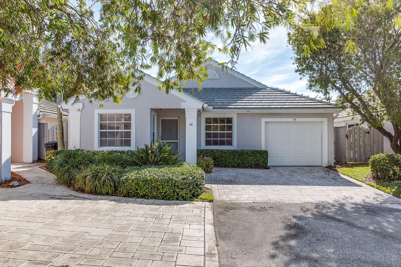Photo of 58 Admirals Court, Palm Beach Gardens, FL 33418 (MLS # RX-10724371)