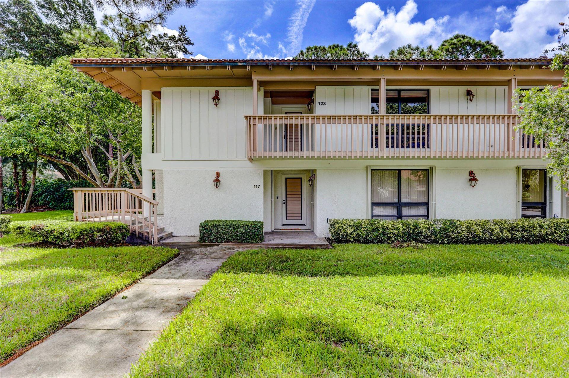 Photo of 123 Brackenwood Road, Palm Beach Gardens, FL 33418 (MLS # RX-10741372)