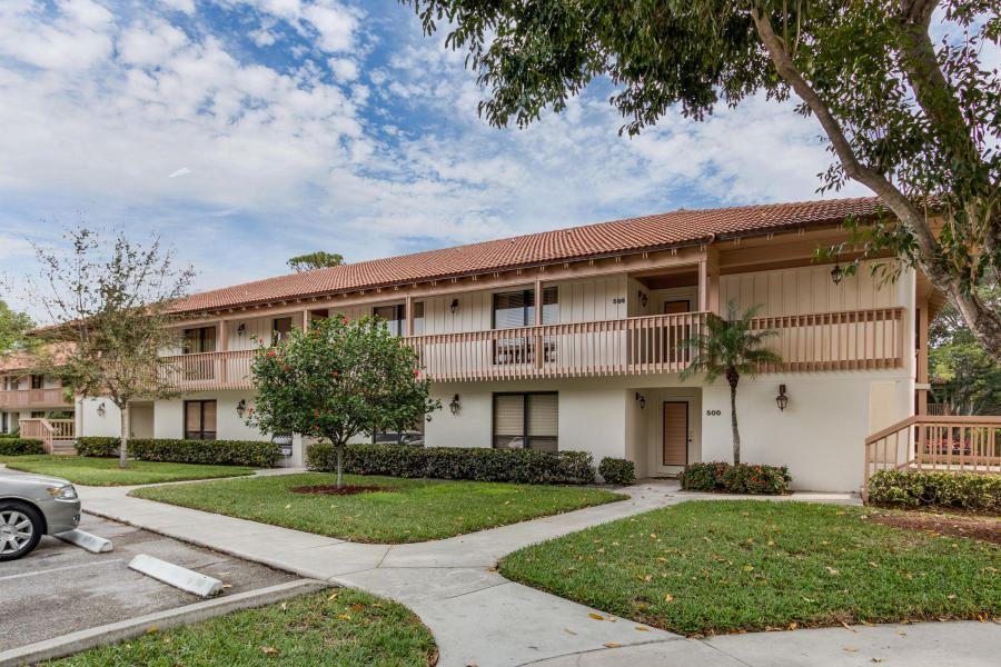 Photo of 508 Brackenwood Place, Palm Beach Gardens, FL 33418 (MLS # RX-10604373)