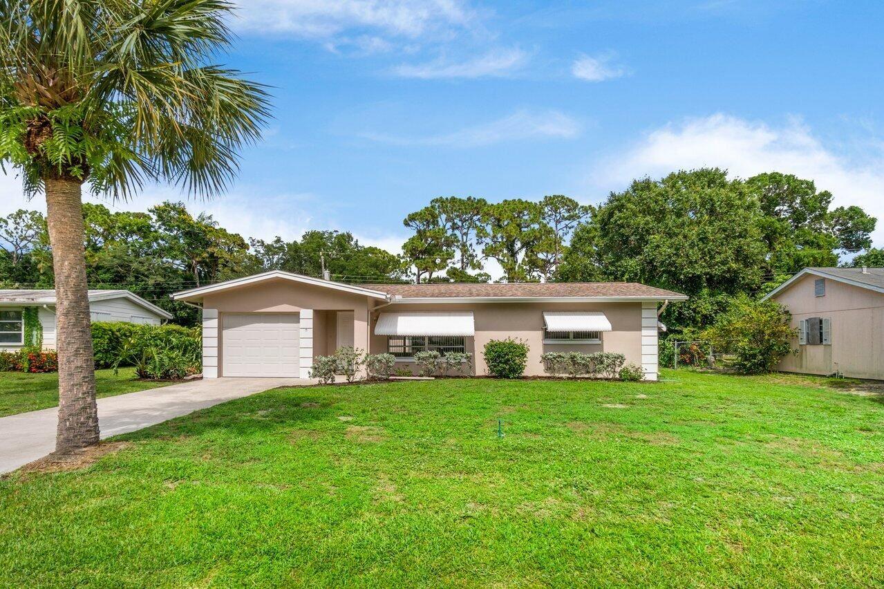 427 E Coconut Avenue E, Port Saint Lucie, FL 34952 - #: RX-10725373