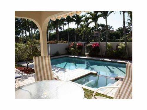 Photo of 761 Villa Portofino Circle #761, Deerfield Beach, FL 33442 (MLS # RX-10628377)