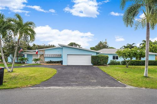 Photo of 1002 SW 25th Avenue, Boynton Beach, FL 33426 (MLS # RX-10561378)