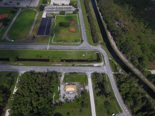 Foto de inmueble con direccion 13928 N 59th Court N Royal Palm Beach FL 33411 con MLS RX-10645379