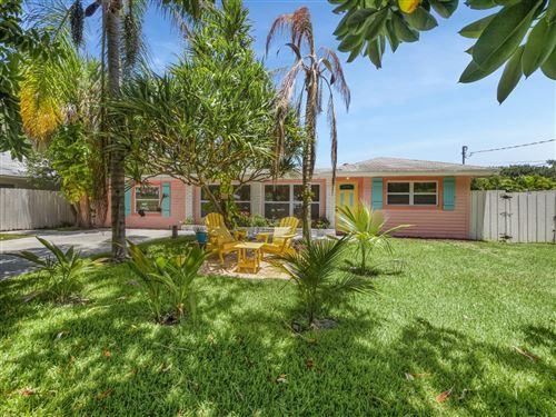 Photo of 2427 Country Oaks Lane, Palm Beach Gardens, FL 33410 (MLS # RX-10732379)