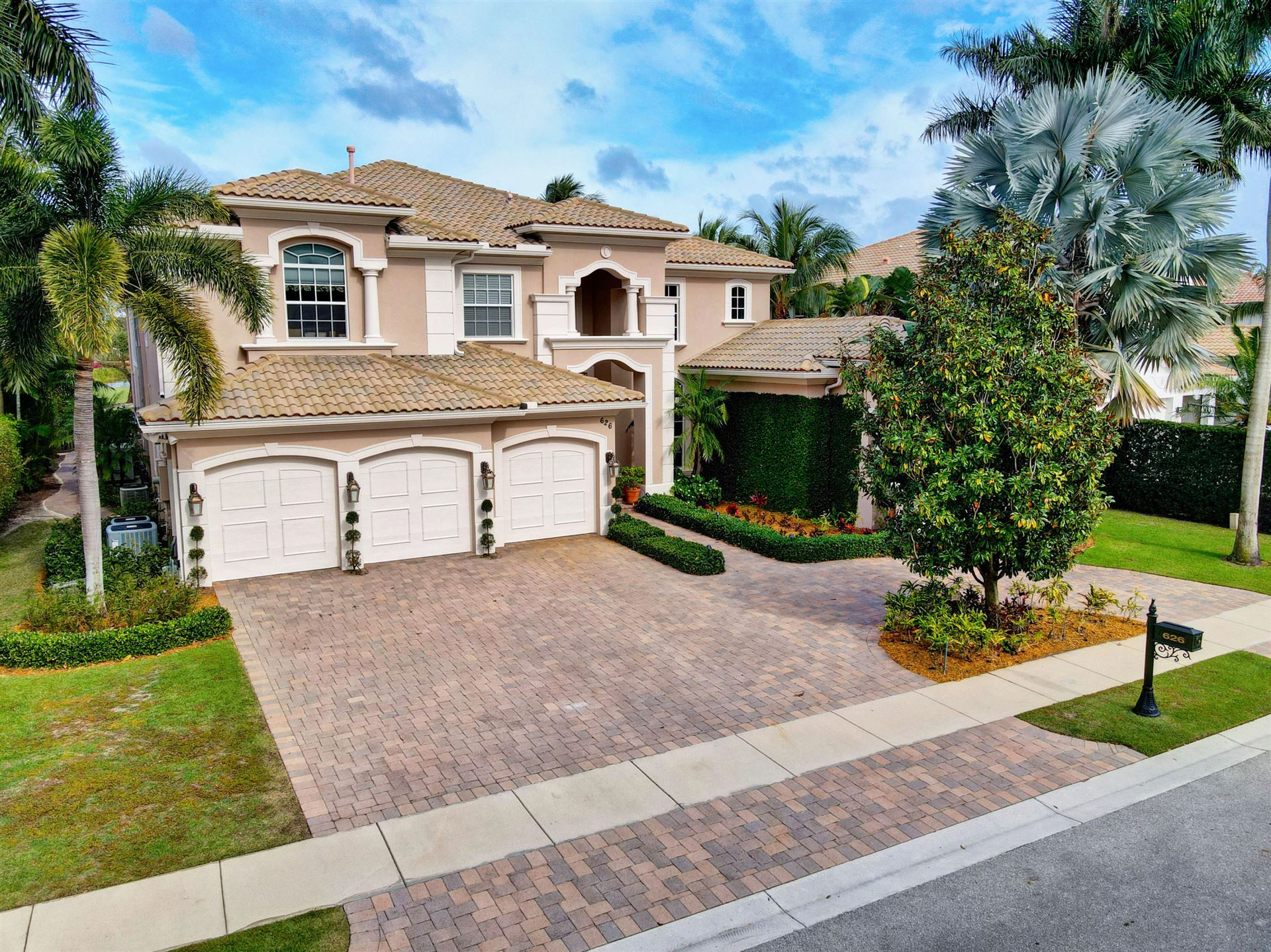 Photo of 626 Hermitage Circle, Palm Beach Gardens, FL 33410 (MLS # RX-10681379)