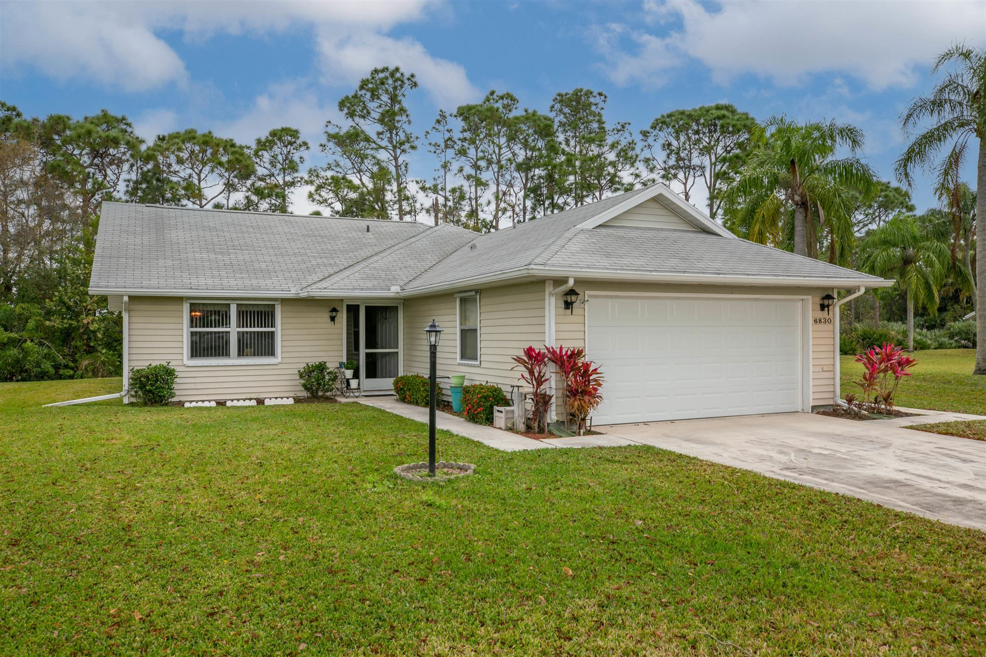6830 SE Lillian Court, Stuart, FL 34997 - #: RX-10692379