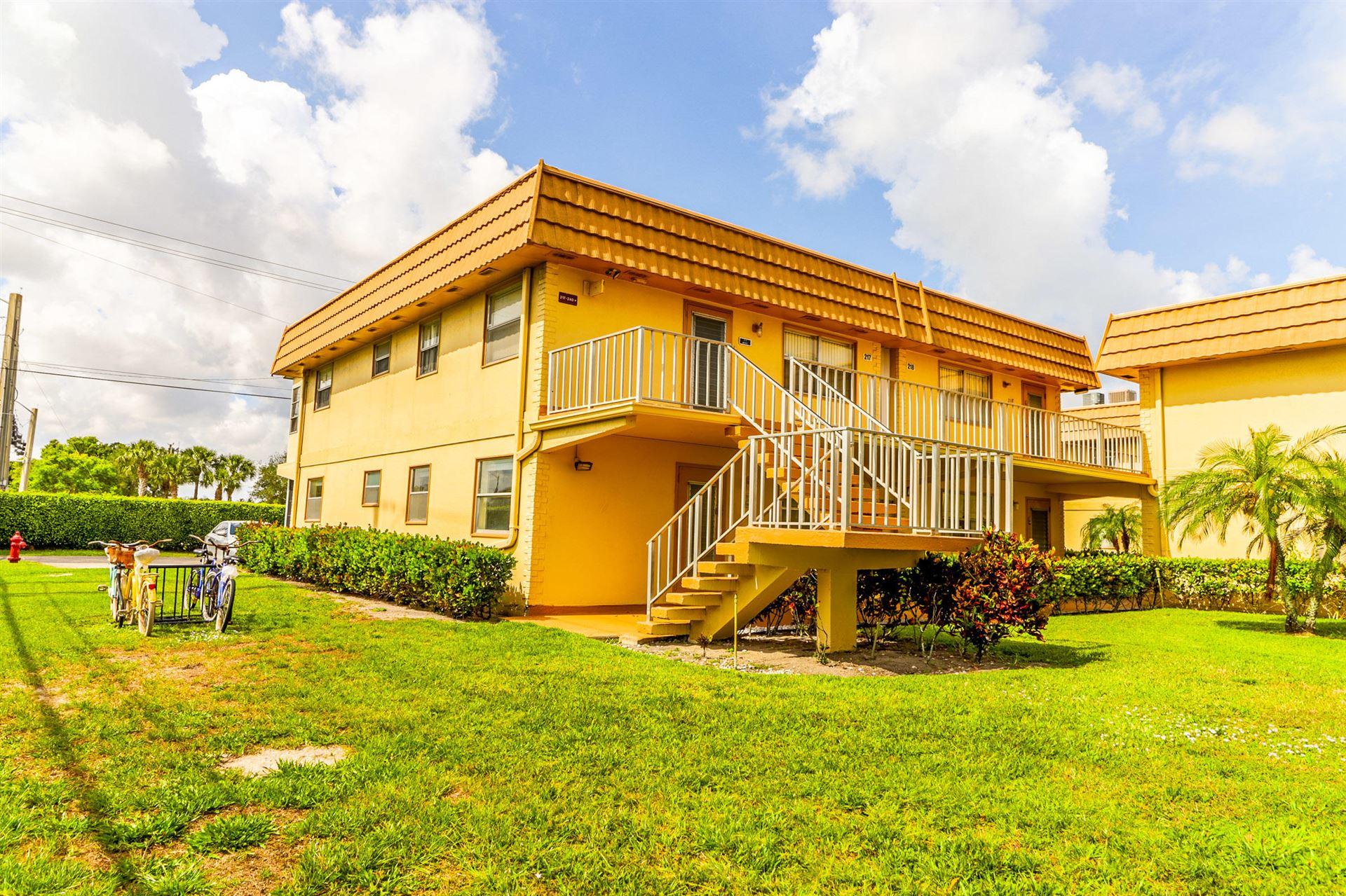 193 Saxony E, Delray Beach, FL 33446 - #: RX-10714380