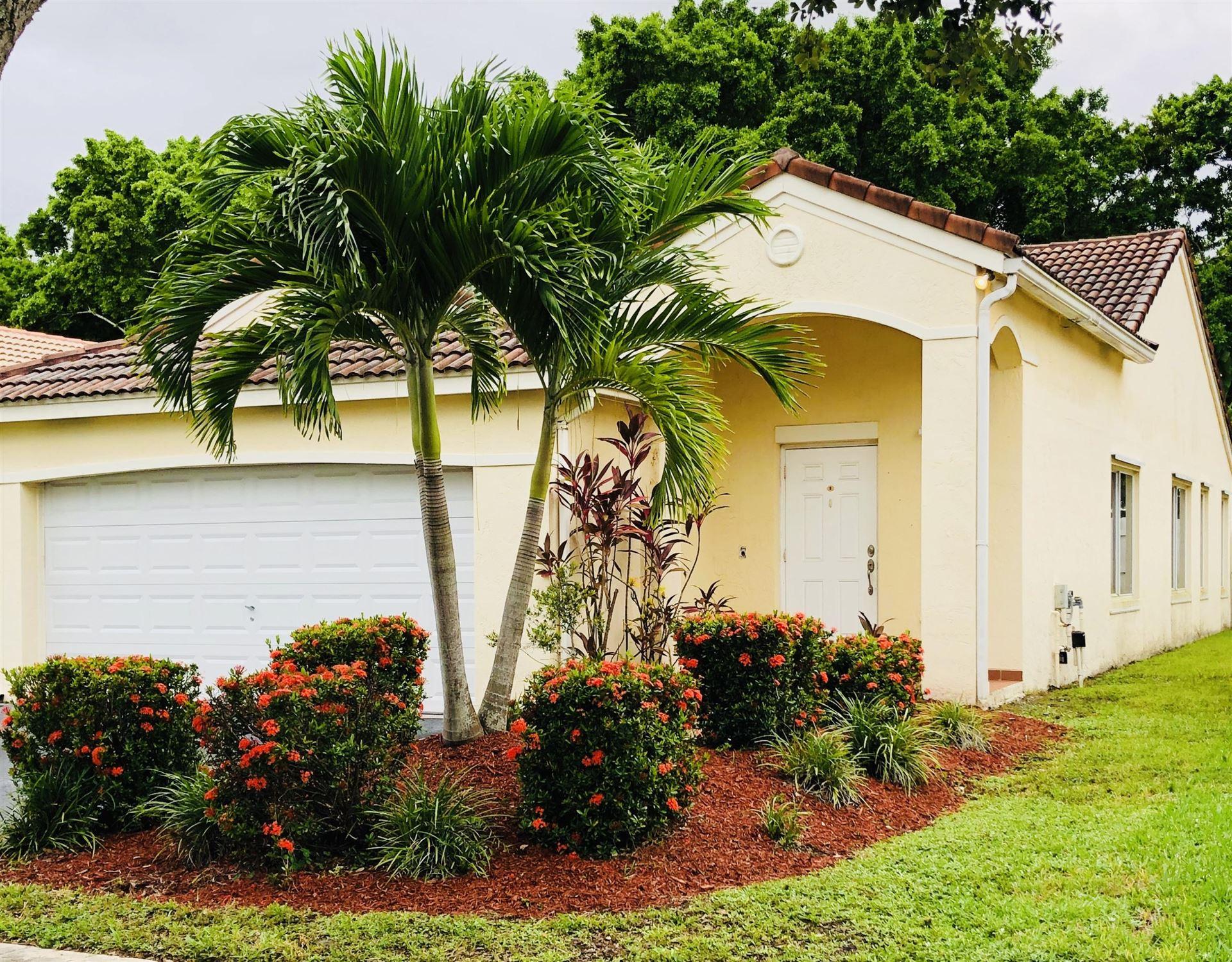 555 Talavera Road, Weston, FL 33326 - #: RX-10654381
