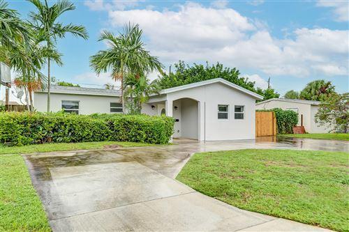 Photo of 2665 NE 12th Avenue, Pompano Beach, FL 33064 (MLS # RX-10665388)