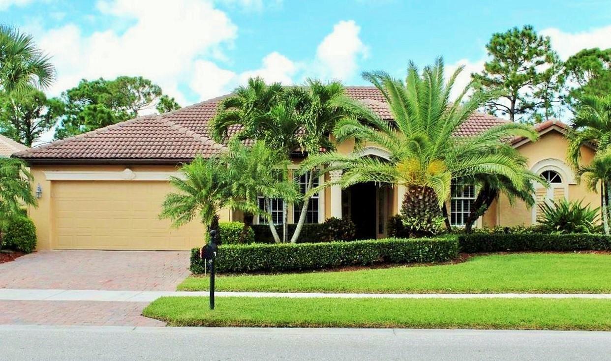 854 SW St Tropez Court, Port Saint Lucie, FL 34986 - #: RX-10696388
