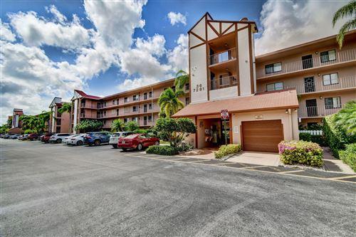 Photo of 7281 Amberly Lane #301, Delray Beach, FL 33446 (MLS # RX-10625391)