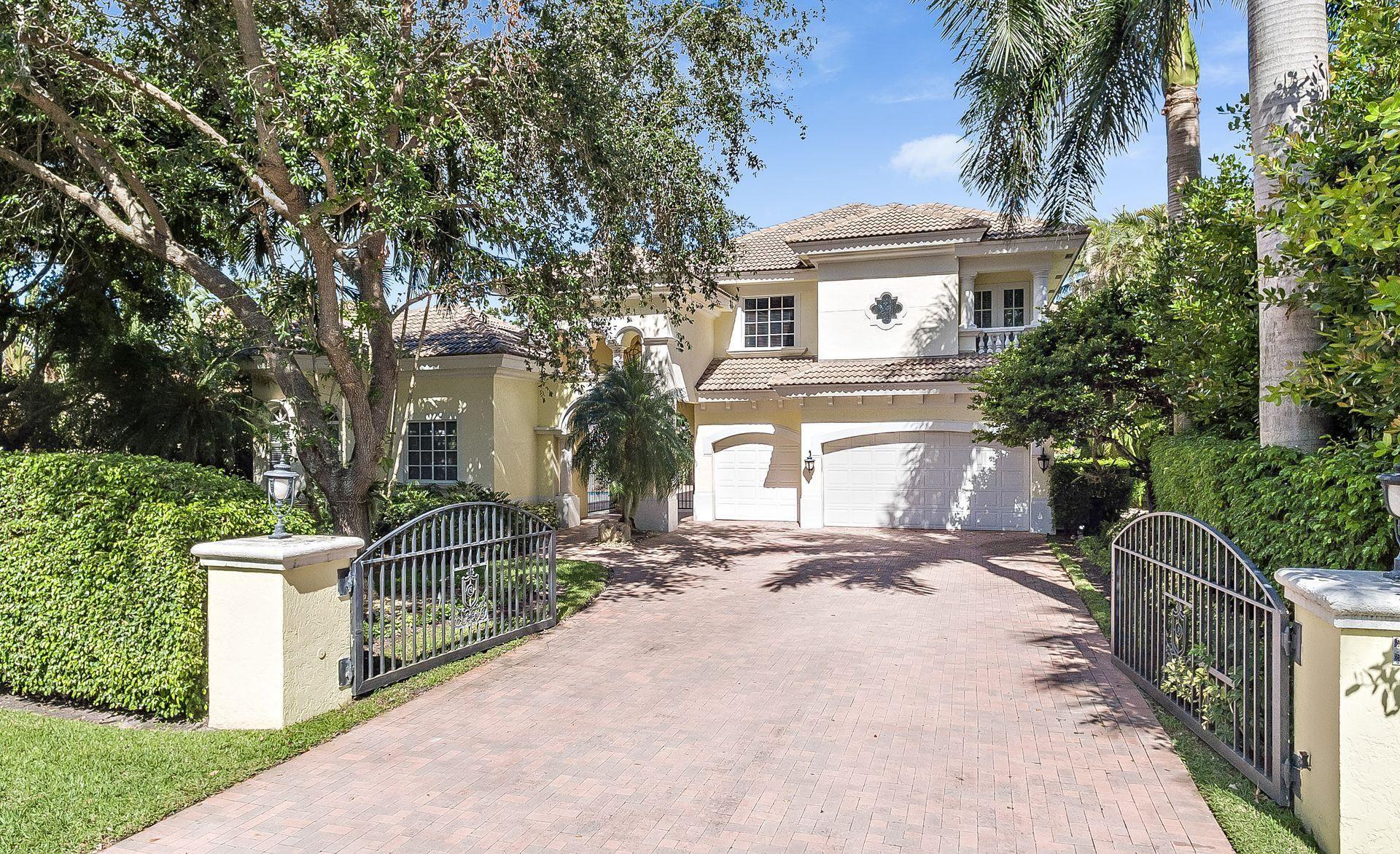 Photo of 7399 Orangewood Lane, Boca Raton, FL 33433 (MLS # RX-10582391)