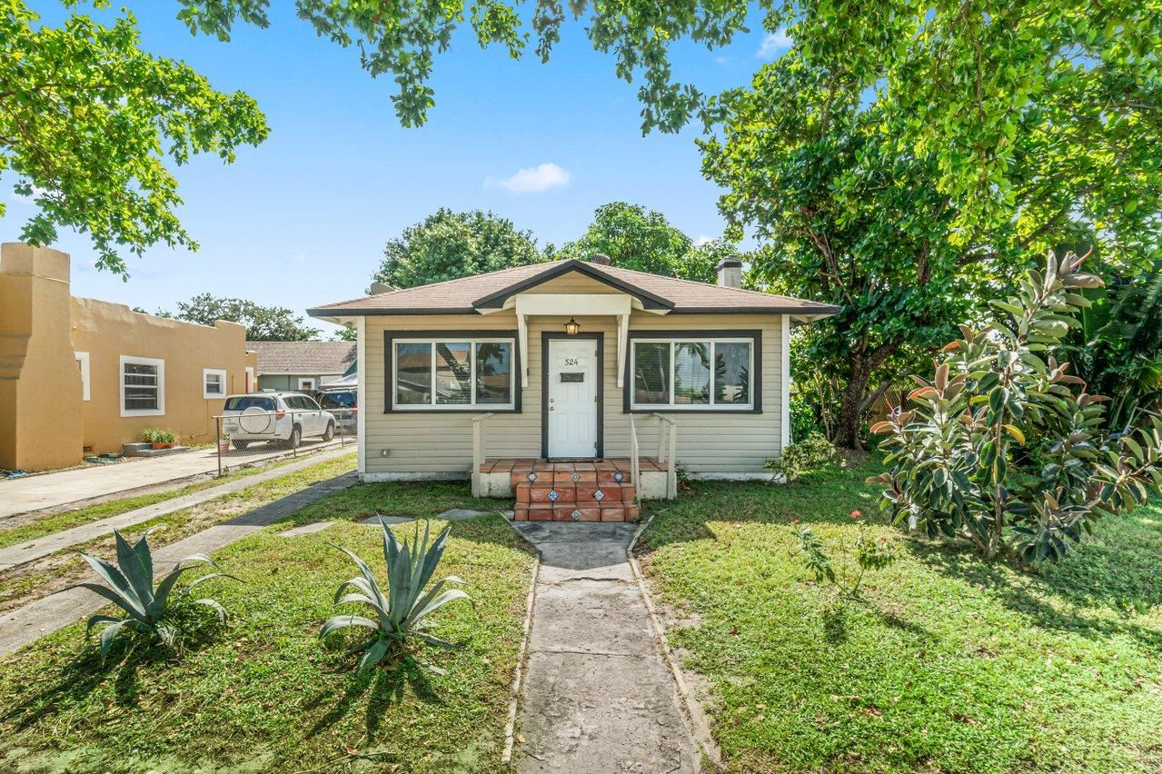 524 Colonial Road, West Palm Beach, FL 33405 - #: RX-10667392