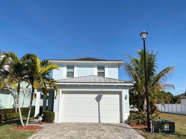 108 SE Via Visconti, Port Saint Lucie, FL 34952 - #: RX-10679392