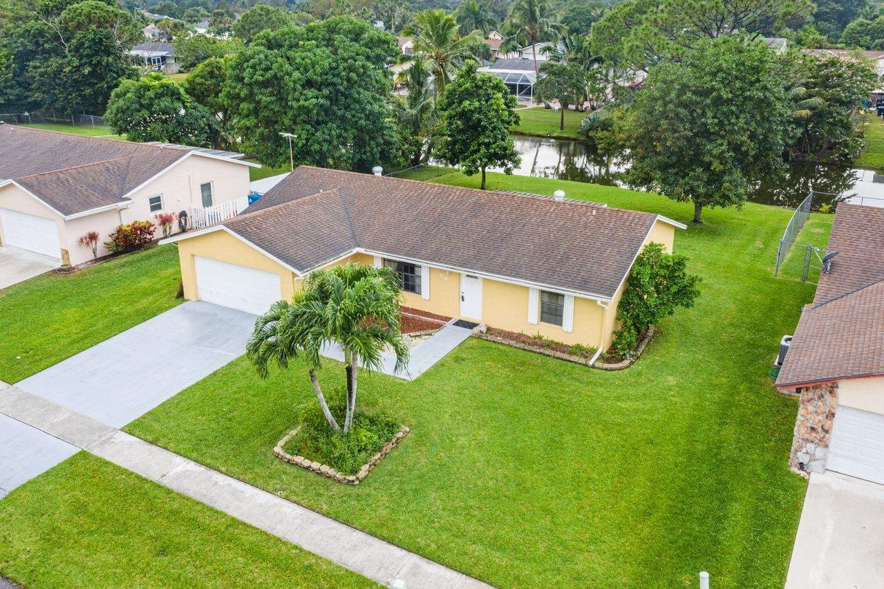 208 Bobwhite Road, Royal Palm Beach, FL 33411 - #: RX-10675394