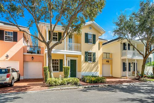 Photo of 1015 E Heritage Club Circle, Delray Beach, FL 33483 (MLS # RX-10586395)