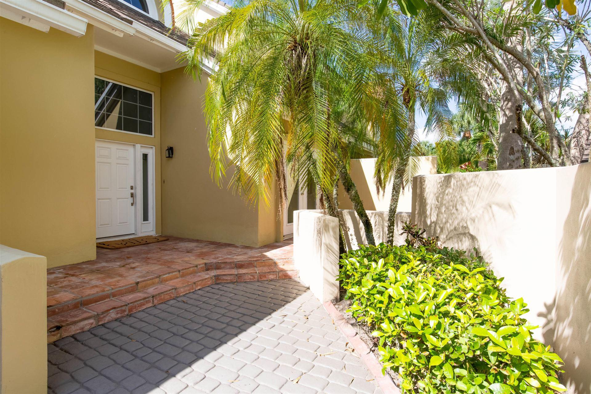 Photo of 2627 Muirfield Court, Wellington, FL 33414 (MLS # RX-10636395)
