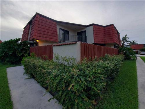 Foto de inmueble con direccion 3904 Victoria Drive West Palm Beach FL 33406 con MLS RX-10642397