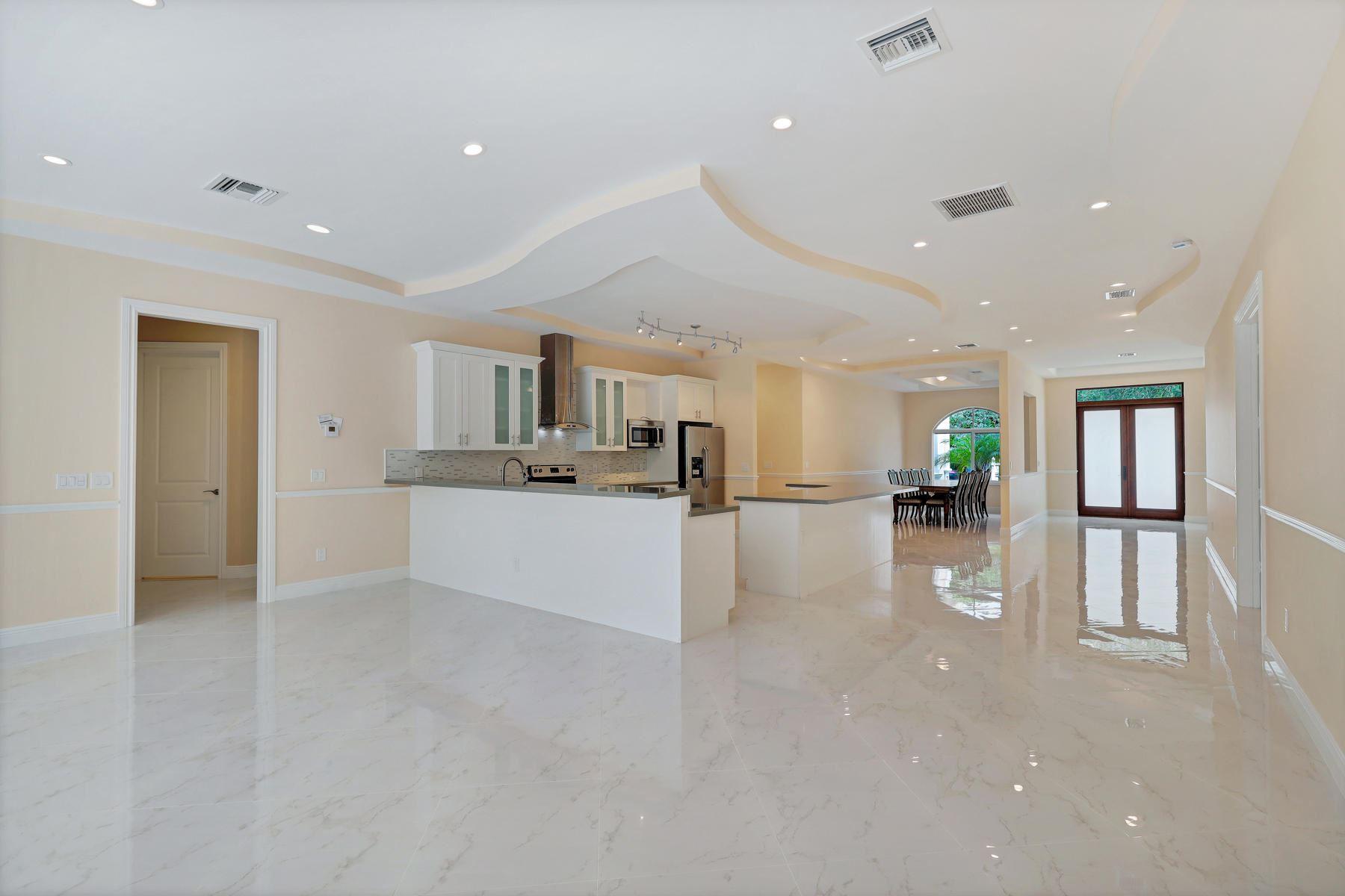 951 NW 2 Avenue, Boca Raton, FL 33432 - #: RX-10674398