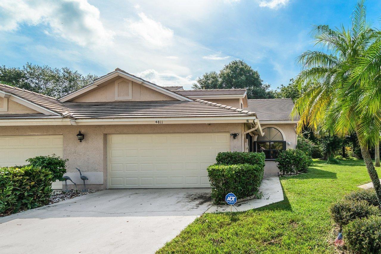Photo of 4811 Brighton Lakes Boulevard, Boynton Beach, FL 33436 (MLS # RX-10733398)