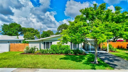 Photo of 601 NW 14th Avenue, Boca Raton, FL 33486 (MLS # RX-10715402)
