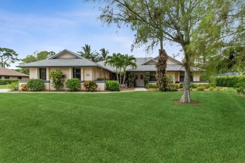 15230 Meadow Wood Drive, Wellington, FL 33414 - #: RX-10724409