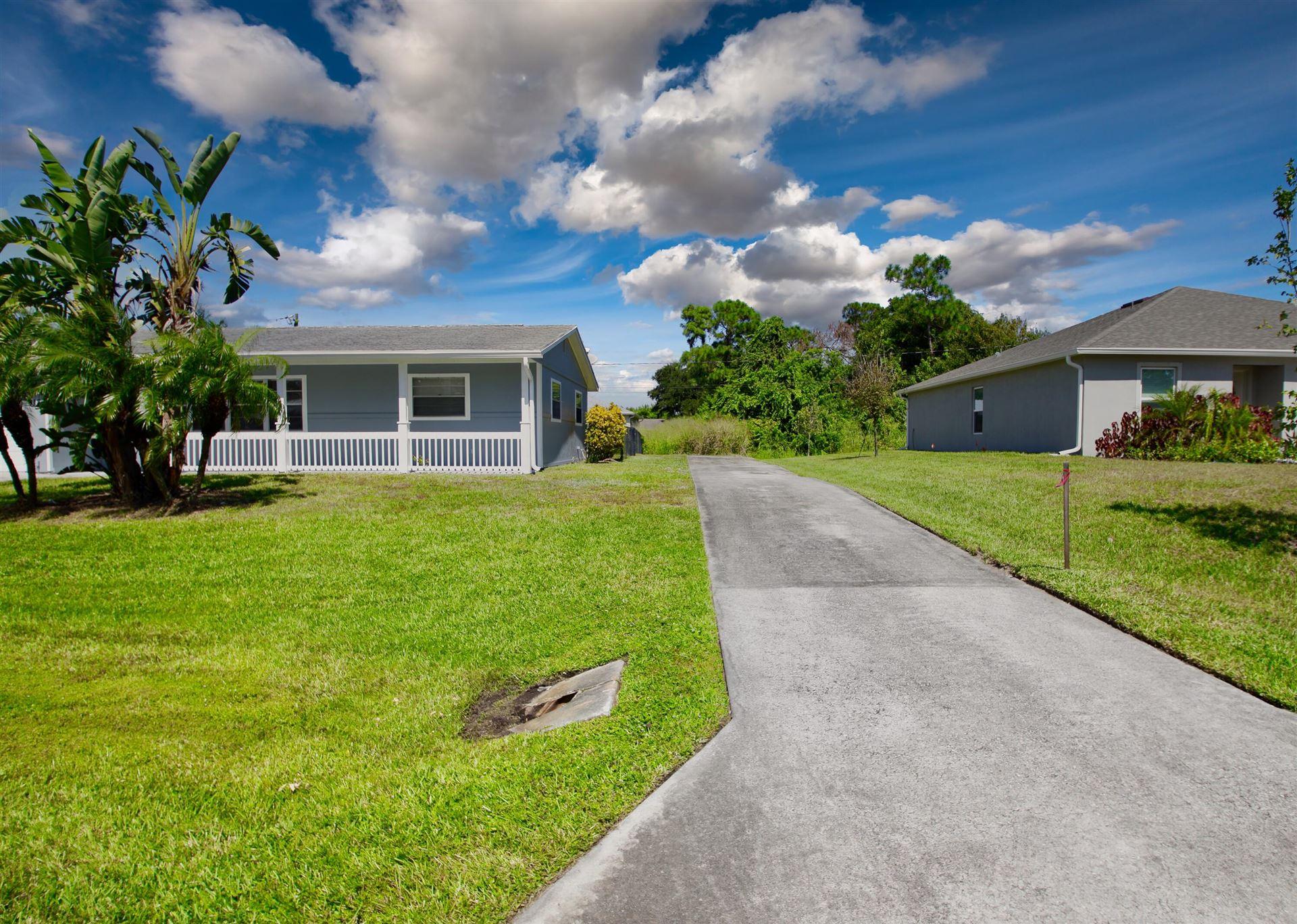 Photo of 918 Bermuda Avenue, Sebastian, FL 32958 (MLS # RX-10750414)