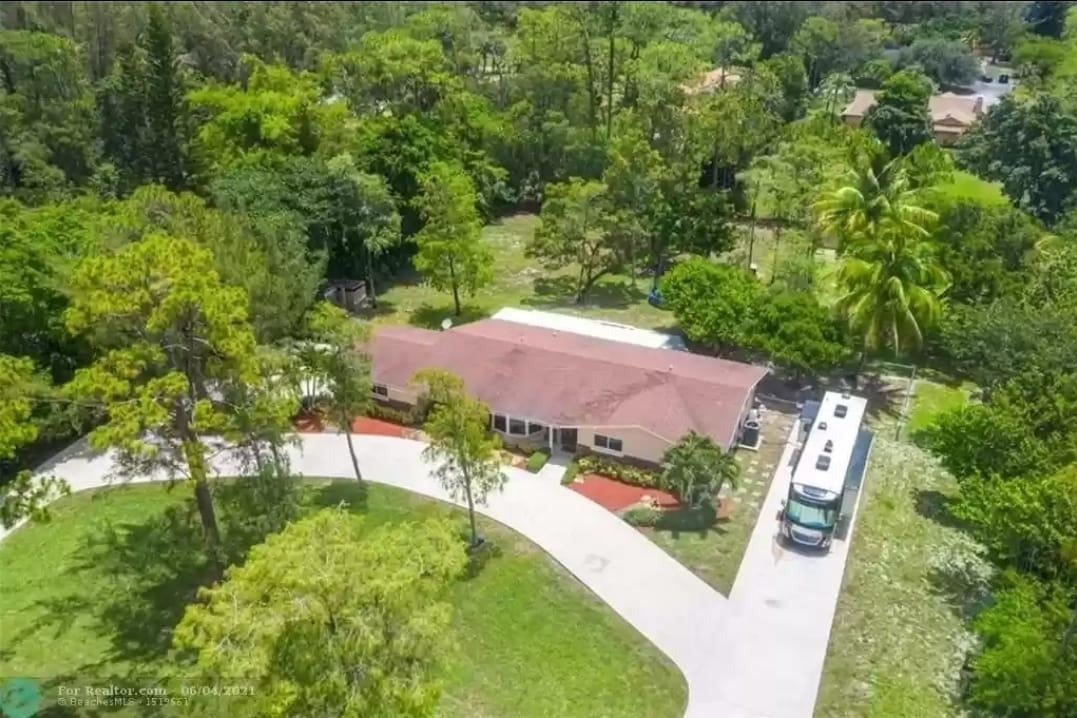 Photo for 5700 NW 66th Avenue, Parkland, FL 33067 (MLS # RX-10738416)