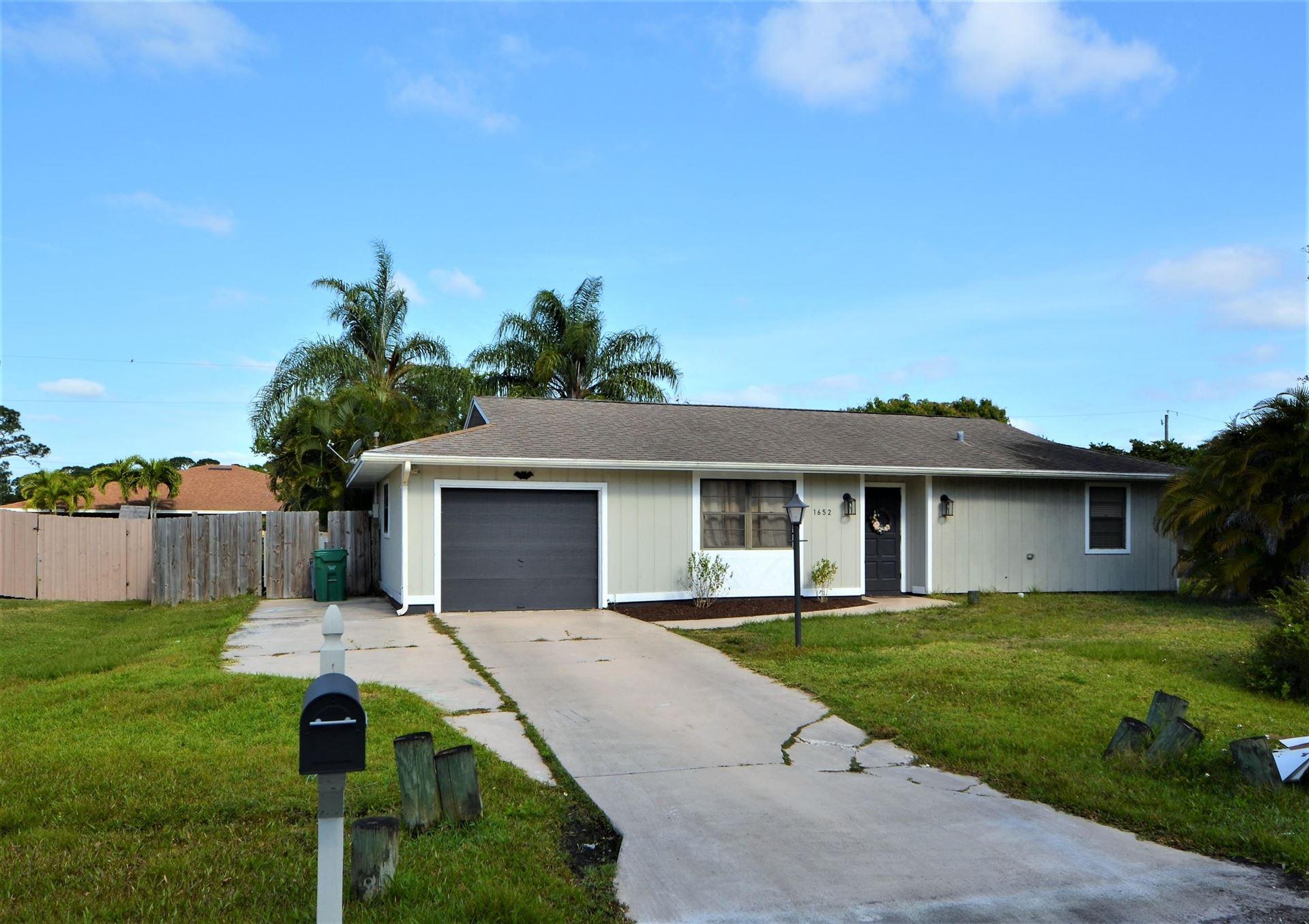 1652 SE Pleasantview Street, Port Saint Lucie, FL 34983 - MLS#: RX-10708419