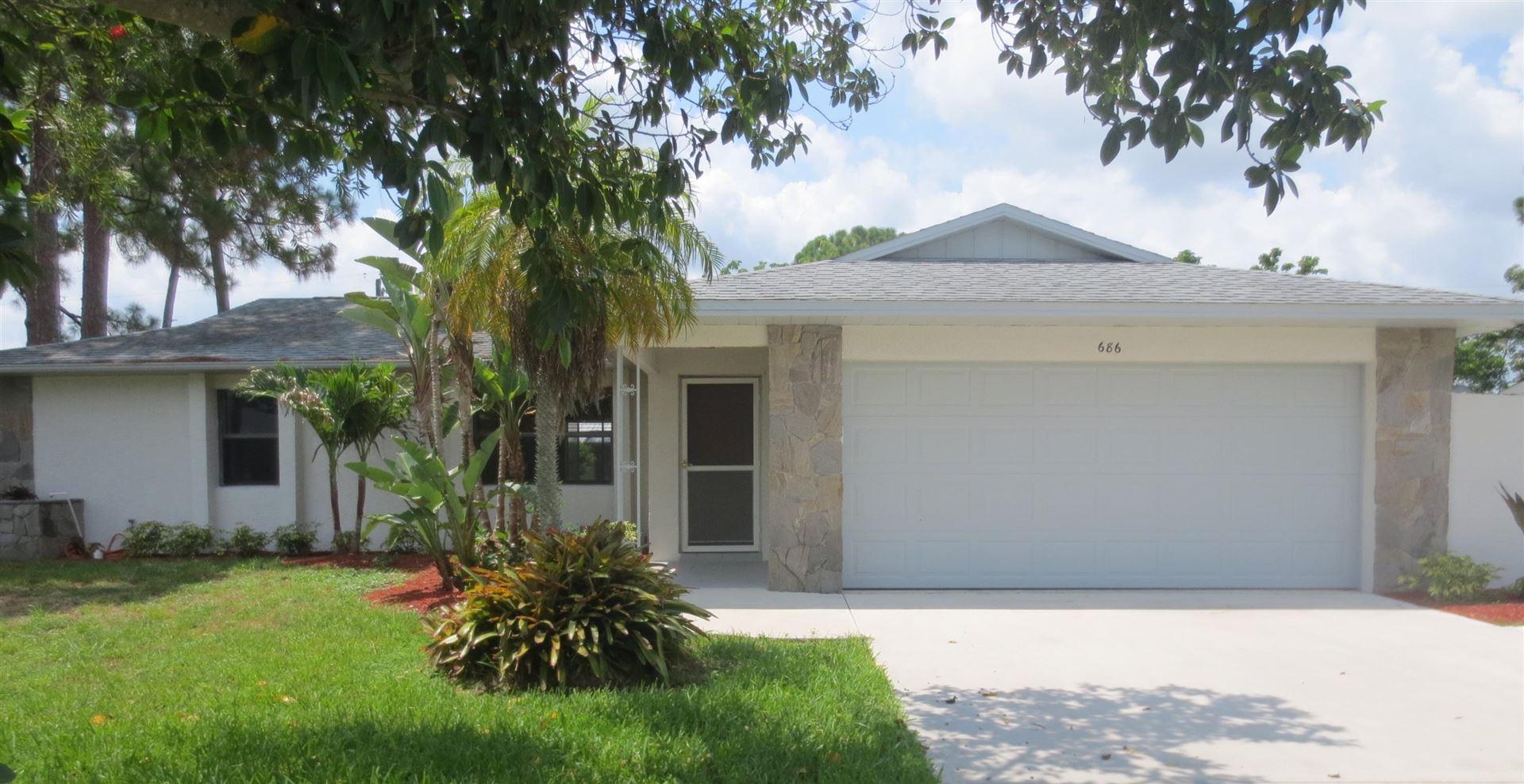 686 SE Thornhill Drive, Port Saint Lucie, FL 34983 - MLS#: RX-10733419