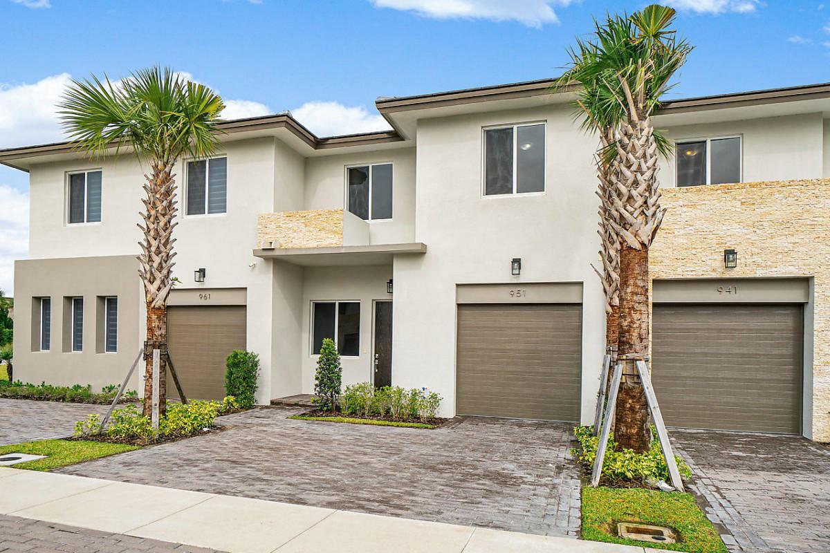 951 Pioneer Way, Royal Palm Beach, FL 33411 - #: RX-10599420