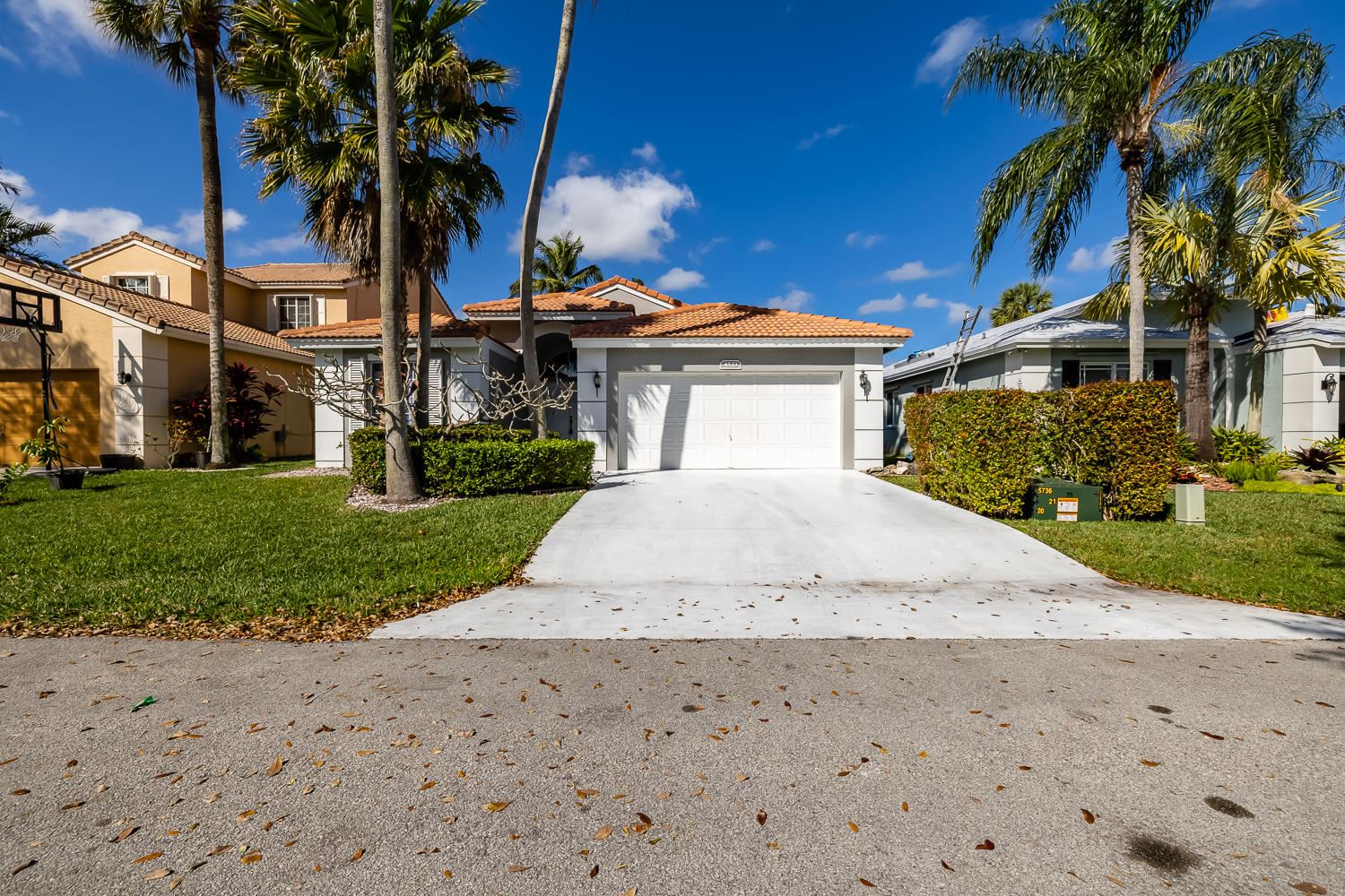 Photo of 4533 NW 7th Place, Deerfield Beach, FL 33442 (MLS # RX-10694420)