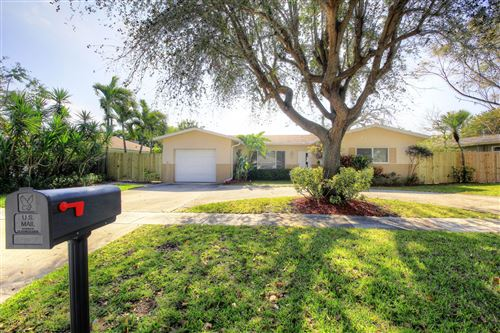 Photo of 29 Pinehurst Ln Lane, Boca Raton, FL 33431 (MLS # RX-10643423)