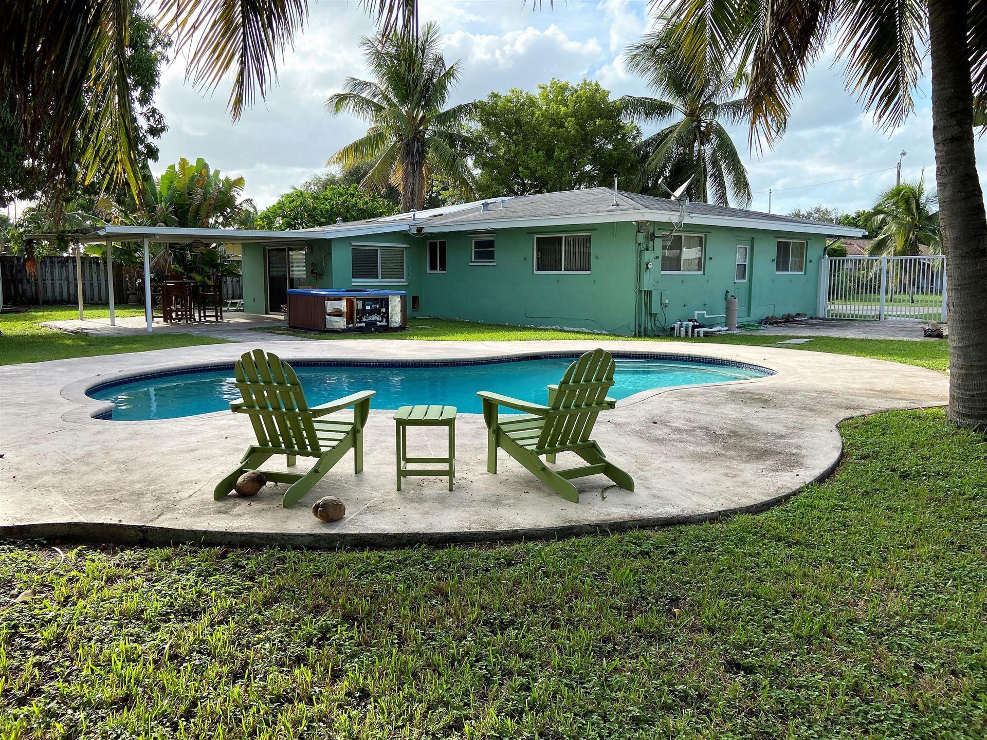 Photo of 260 SE 5th Court, Pompano Beach, FL 33060 (MLS # RX-10657423)