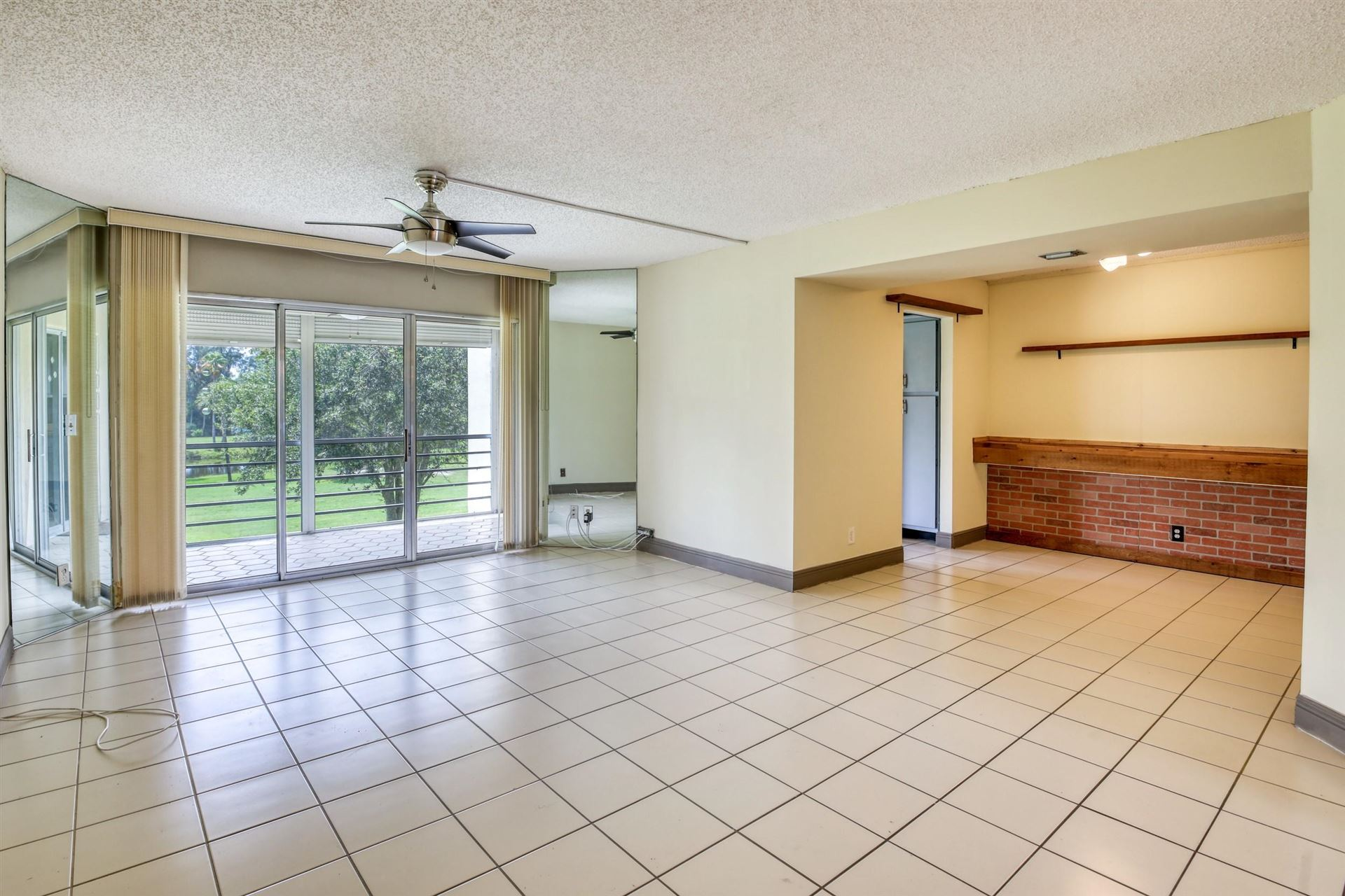 3959 Via Poinciana Drive #306, Lake Worth, FL 33467 - #: RX-10642424