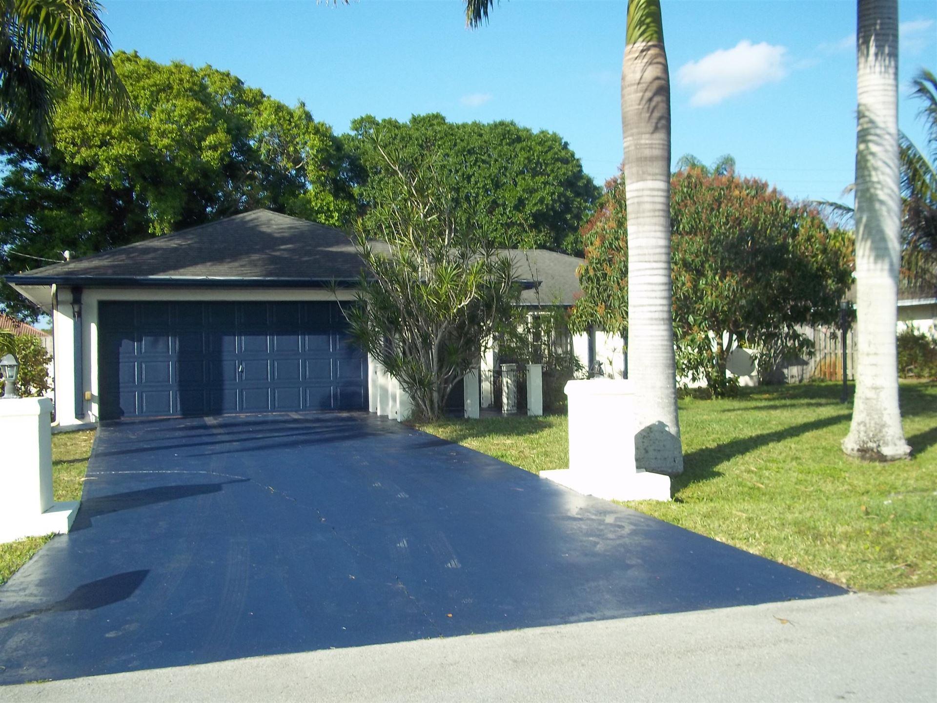 511 SE Penn Avenue, Port Saint Lucie, FL 34984 - #: RX-10686425