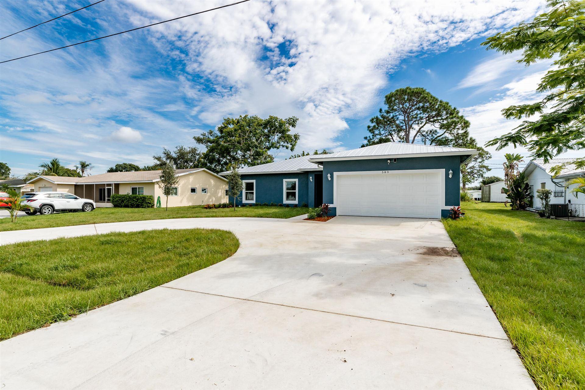 589 SE Floresta Drive, Fort Pierce, FL 34983 - MLS#: RX-10746425