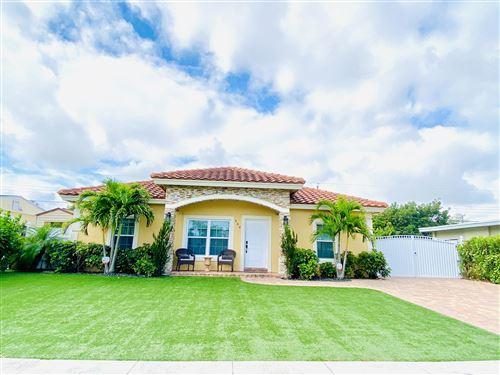 Foto de inmueble con direccion 588 Tallulah Road Lake Worth FL 33462 con MLS RX-10623428