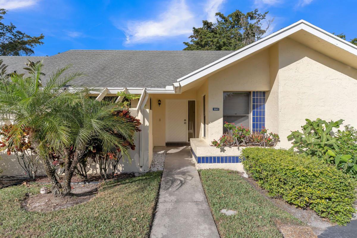 10921 Lake Front Place, Boca Raton, FL 33498 - #: RX-10697431