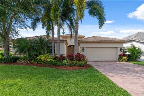 Photo of 102 San Vincente Place, Palm Beach Gardens, FL 33418 (MLS # RX-10714432)