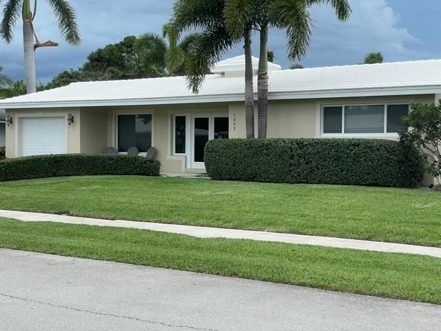 Photo of 1093 SW 14th Street, Boca Raton, FL 33486 (MLS # RX-10726435)