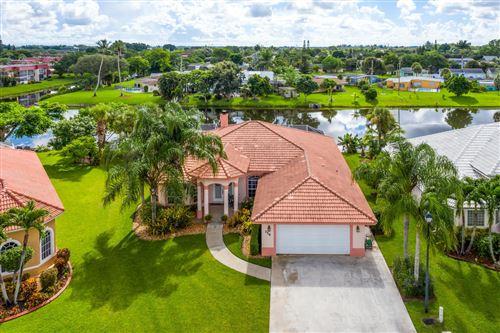 Foto de inmueble con direccion 114 Pepper Tree Crescent Royal Palm Beach FL 33411 con MLS RX-10645442