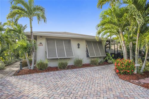 Photo of 3825 Service Court, Lake Worth, FL 33467 (MLS # RX-10577443)