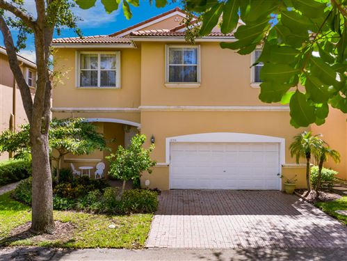 Photo of 1050 Oysterwood Street, Hollywood, FL 33019 (MLS # RX-10597446)
