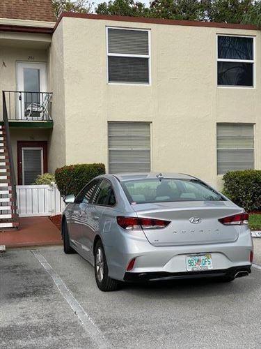 Photo of 12 Willowbrook Lane #106, Delray Beach, FL 33446 (MLS # RX-10601446)