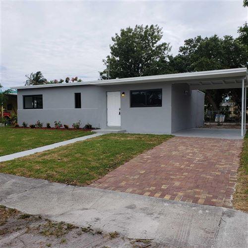 Photo of 1426 W Broward Street, Lantana, FL 33462 (MLS # RX-10716446)