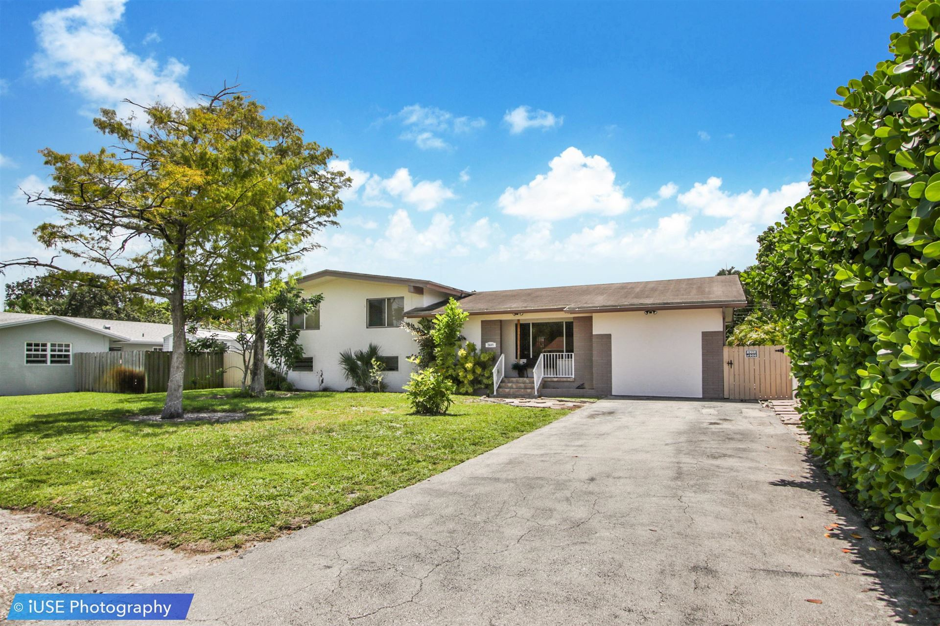 Photo of 2609 NW 6th Avenue, Wilton Manors, FL 33311 (MLS # RX-10728446)