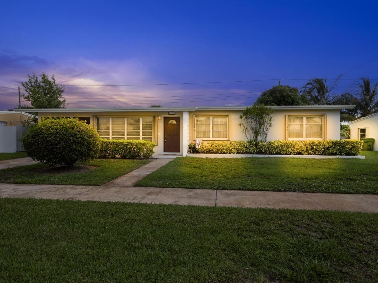 138 Ainsworth Circle, Palm Springs, FL 33461 - #: RX-10730449