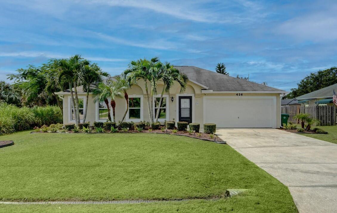 426 SE Essex Drive, Port Saint Lucie, FL 34984 - #: RX-10743450